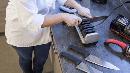 how to sharpen a knife by electric knife sharpener